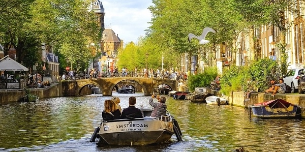 Amsterdam'ın en iyi otelleri ve gezilecek bölgeler